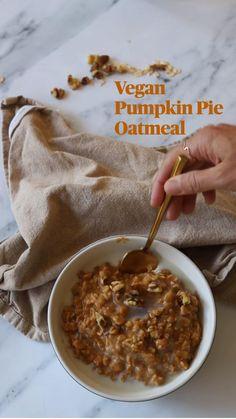 Pumpkin Pie Oatmeal, Vegan Pumpkin Pie, Vegan Oatmeal, Gluten Free Recipes For Breakfast, Gluten Free Breakfasts, Fall Recipes, Vegan Vegetarian, Breakfast Ideas, Autumn