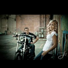 Nice one for the biker couple. Motorcycle Engagement Photos, Motorcycle Photo Shoot, Engagement Shots, Engagement Couple, Engagement Pictures, Motorcycle Wedding Pictures, Bike Photo, Engagement Ideas, Couple Photography