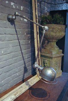 Lampe industrielle Jieldé par le Marchand d'Oublis