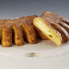 """Drożdżówka z serem Przygotowana z ciasta półfrancuskiego, z masą serową. W formie """"grzebienia"""""""
