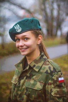 military_woman_poland_army_0000251