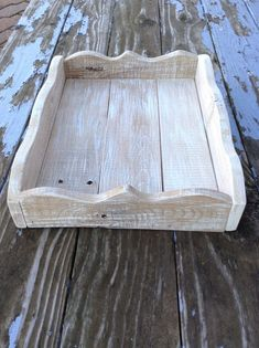 Handmade Whitewashed Pallet Wood Tray With Curvy Sides Serving Tray Wood, Wood Tray, Cool Woodworking Projects, Custom Woodworking, Wooden Pallets, Pallet Wood, Pallet Ceiling, Painted Drawers, Reclaimed Wood Projects
