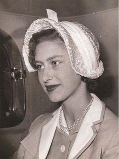 The Royal Family 1936 (Queen Elizabeth, Princess Elizabeth & Princess Margaret. Royal Princess, Prince And Princess, Princess Eugenie, Princesa Margaret, Princess Margaret Young, Princess Caroline, Adele, Queen's Sister, Margaret Rose