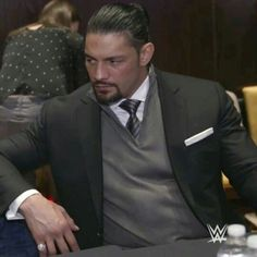 Roman reigns is sexy as hell ❤😘😍 Wwe Superstar Roman Reigns, Wwe Roman Reigns, Beautiful Joe, Gorgeous Men, Roman Reigns Dean Ambrose, Roman Regins, Reign Dresses, Wrestling Superstars, Sharp Dressed Man