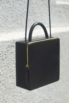 Building Block 'Box' Bag - Black