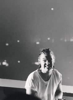 Harry Styles----the faces he makes gives me life!