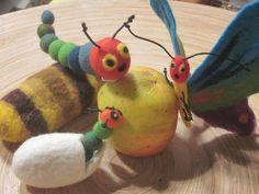 Fingerpuppen & Handpuppen - Vom Ei zum Schmetterling - ein Designerstück von Giselas-Hingucker bei DaWanda