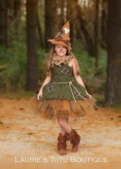 This adorable DIY witch Halloween costume is so easy. All it takes is our free pattern and a few simple sewing techniques. This is sure to be your favorite easy kid's Halloween costume idea. Scarecrow Wizard Of Oz, Halloween Costumes Scarecrow, Halloween Costumes For Girls, Halloween Dress, Halloween Kids, Toddler Scarecrow Costume, Scarecrow Makeup, Belle Costume, Tutu Costumes