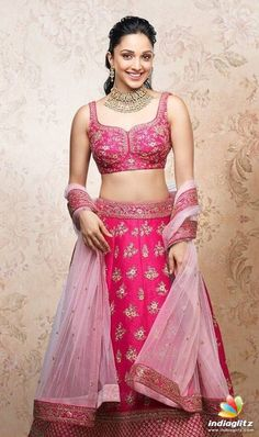 Bollywood Images, Bollywood Girls, Indian Bollywood, Bollywood Fashion, Bollywood Style, Beautiful Girl Indian, Most Beautiful Indian Actress, Indian Celebrities, Bollywood Celebrities