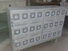 Aparador castellano restaurado en laca y patinas for Pintar muebles barnizados