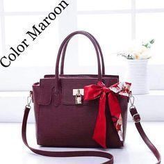 Korean Bags, Facebook, Fashion, La Mode, Fashion Illustrations, Fashion Models