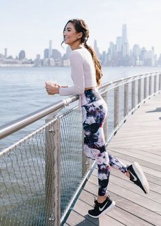Super sport outfit for women sporty chic 70 Ideas Cute Sporty Outfits, Sporty Chic, Sport Outfits, Gym Outfits, Sporty Clothes, Nike Clothes, Modest Outfits, Cute Athletic Outfits, Cute Workout Outfits