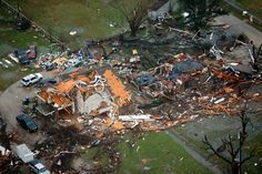 This aerial shot shows the damage and destruction to homes in the town of Garland, Texas after a deadly tornado ripped through the area on Dec. Search and rescue teams have begun sifting through the rubble for any people or animals left behind. Tornado Map, Tornado Damage, Tornadoes, Search And Rescue, Christmas 2015, Aerial View, City Photo, Dallas, Snow