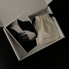 Brand identity design and packaging of jewellery brand Common Muse. Clothing Packaging, Fashion Packaging, Luxury Packaging, Bag Packaging, Jewelry Packaging, Jewelry Branding, Jewellery Logo Design, Fashion Branding, Bijoux Design