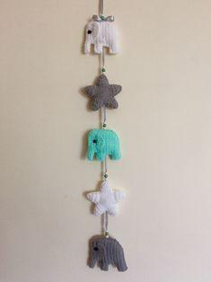 Mobile elefantes e estrelas crochê