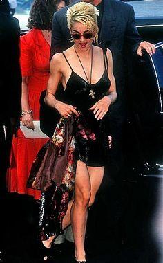 Madonna Photo: Dick tracy premiere with warren beatty Madonna Rare, Madonna 90s, Madonna Fashion, Madonna Music, Madonna Photos, Lady Madonna, Recital, Divas Pop, Michigan