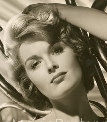 Patricia Blair Patricia Blair, Perry Mason, Golden Star, Old Movies, Vintage Beauty, Old Hollywood, American Actress, Movie Stars, Pin Up