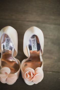 Bridal shoes with flower detailing. Wedding shoes by Badgley Mischka. Peach Wedding Shoes, Peach Wedding Colors, Wedding Dress, Dream Wedding, Prom Dress, Peach Heels, Bride Shoes, Southern Weddings, Bridal Accessories