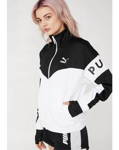 really sporty outfits Sporty Outfits, Classy Outfits, Cute Outfits, Fashion Outfits, Puma Outfit, Crossfit Clothes, Turkish Fashion, Outerwear Women, Sweatshirts