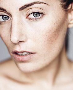 markushoppephotography @g_esil  #markushoppephotography #portrait #portraitpage #earth_portraits #theportraitpr0ject #profile_vision #simplicity #bodylanguage #nrw #ruhrgebiet #düsseldorf #cologne #hamburg #berlin #london #nyc #paris #vogue #model #pure #50mm #freckles