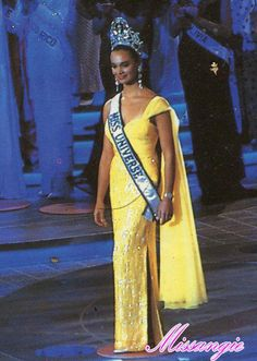 Lupita Jones Miss Universe 1991 - YouTube