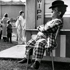 small person circus