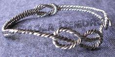 Bracciale in argento con nodi marinari, pezzo unico realizzato da Paola Demuro con la tecnica della cera persa.
