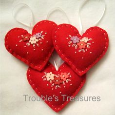 The Trouble with Crafting: felt heart ornaments