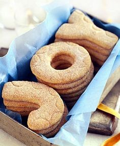 Use large letter cookie cutters to make personalized cookie gifts!