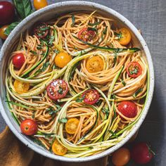 Tomato Zucchini Pasta Easy Weeknight Dinners, Quick Easy Meals, Zucchini Pasta Recipes, Gluten Free Dinner, Vegetarian Dinners, Dinner Salads, Food Cravings, How To Cook Pasta, Healthy Eating