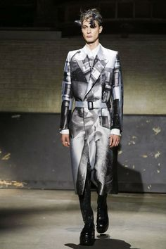 663e47ae0ec5 Alexander McQueen Menswear Fall Winter 2014 London - NOWFASHION World Of  Fashion, Men s Fashion,
