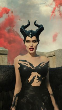 Maleficent Mistress of Evil Angelina Jolie HD Mobile and Desktop wallpaper Maleficent Quotes, Maleficent Art, Angelina Jolie Maleficent, Malificent, Wallpaper Animes, Disney Wallpaper, Cartoon Wallpaper, Cool Wallpaper, Tumblr Wallpaper