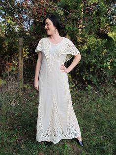 1900s Edwardian Ecru Lace Ivory Gown Wedding Dress