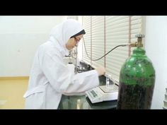 17 year old Egyptian student turns plastic into biofuel that could supplement global energy needs Alternative Fuel, Engineering Courses, Renewable Sources Of Energy, Sustainable Energy, Plastic Waste, A 17, Plastic Bottles, Inventions, Recycling