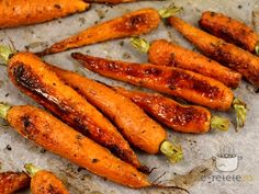 Romanian Food, Raw Vegan, Broccoli, Goodies, Cooking Recipes, Vegetables, Wings, Roasted Carrots, Dishes