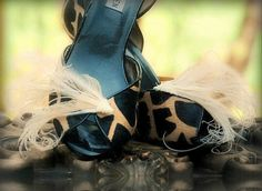 Shoe Clips Sword Peacock Ivory / Natural by sofisticata on Etsy