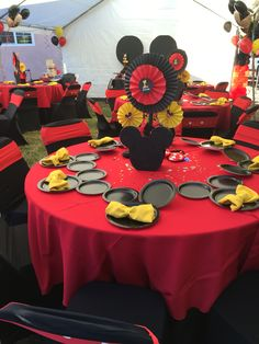 Other side of Mickey Mouse Centerpieces perfect for all guest to enjoy Mickey Mouse Theme Party, Mickey Mouse Party Decorations, Disney Christmas Decorations, Mickey Mouse Centerpiece, Fiesta Mickey Mouse, Mickey Mouse Baby Shower, Mickey Mouse Clubhouse Birthday, Mickey Y Minnie, Mickey Mouse Birthday