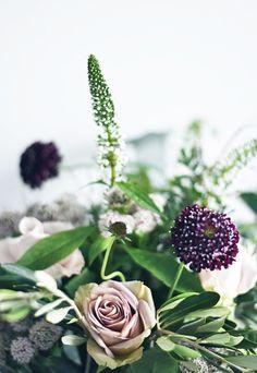 Summer flower arrangements with Dartington Crystal | These Four Walls blog
