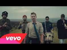#KaiserChiefs - Coming Home Ricky Wilson and his bandmates are celebrating a 2nd week at Nº1 on the UK album charts with their 5th album Education, Education, Education & War.