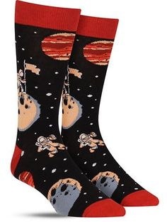 That's one small step in fashion for men, and one giant leap for mankind. These cool space socks take you on an odyssey the likes of which Stanley Kubrick would surely love. Plant a flag on the moon a Wacky Socks, Silly Socks, Crazy Socks, Cool Socks For Men, Unique Socks, Fashion Socks, Mens Fashion, Space Socks, Vans Socks