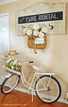 24 Unique Old Headboard Upcycling Ideas for Fans of Vintage Design - Decor 2019 Junk Chic Cottage, Shabby Cottage, Cottage Homes, Cottage Style, Cozy Cottage, Repurposed Furniture, Painted Furniture, Old Headboard, Head Boards