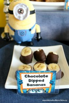 Minions are popular in the party scene once again with the release of their latest movie. Here are some creative Minions birthday party ideas. Halloween Birthday, 4th Birthday Parties, Birthday Bash, Birthday Ideas, Minions Birthday Theme, Minion Theme, Minion Party Food, Despicable Me Party, Twin Birthday