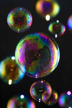 Rainbow Bubbles, Rainbow Eyes, Bubbles Wallpaper, Iphone Wallpaper Glitter, My Fantasy World, Collor, Crystal Ball, Bath Bombs, Homescreen