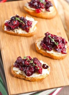 These Roasted Cranberry Brie Crostini look fancy, but you can whip up this easy holiday appetizer in no time!