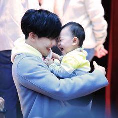 btob, minhyuk, and baby image Btob Lee Minhyuk, Sungjae Btob, Foto Bts, Btob Members, Im Hyun Sik, 17 Kpop, Cute Asian Babies, Min Yoonji, Min Yoongi Bts