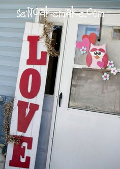 The Sew*er, The Caker, The CopyCat Maker: Loven' On The Porch