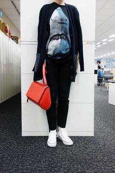 10月31日,編集G,GivenchyのTシャツとバッグ