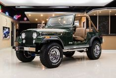 Cj Jeep, Jeep Cj7, Types Of Jeeps, Jeep Doors, Chrome Wheels, Golden Eagle, Jeep Renegade, Gasoline Engine, Manual Transmission