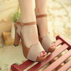 giá:400.000 QUEEN – Fly on your foots: WEBSITE: http://queen847.webnode.vn/