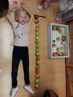 Alma nap Fall Fruits, Eyfs, Kids And Parenting, Activities For Kids, Triangle, Preschool, Education, Games, Vegetables